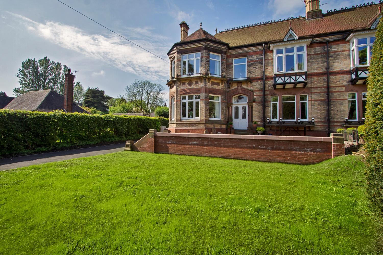 Croft Architecture Transforms a Victorian Home